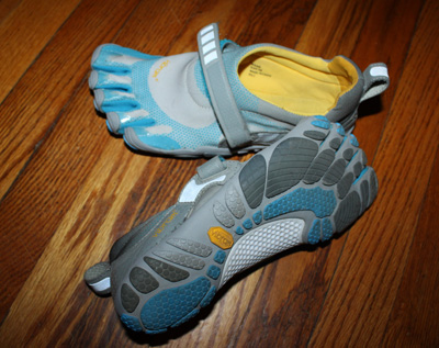 Barefoot-style running shoes